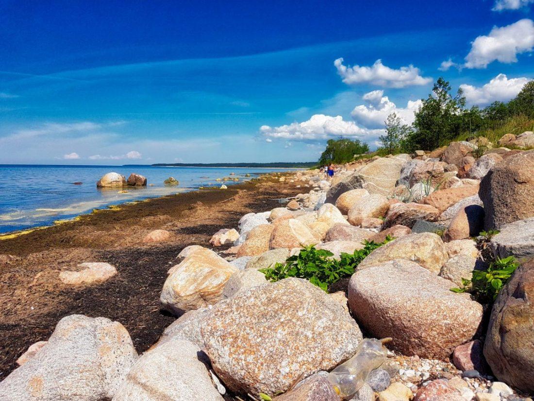 Coastal hiking trails _ Latvia _ Vidzeme Stony Beach _ Escaperies