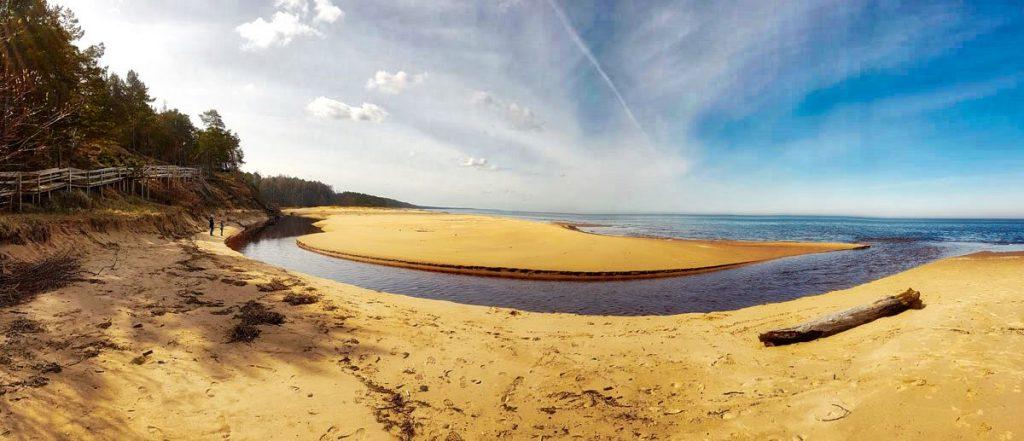 Coastal hiking trails _ Latvia _ BEach near Saulkrasti _ Escaperies
