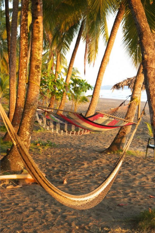 Adventure trip Costa Rica_beach_hummocks