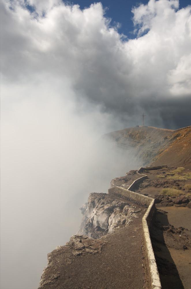 Escape_travel_Nicaragua_volcano