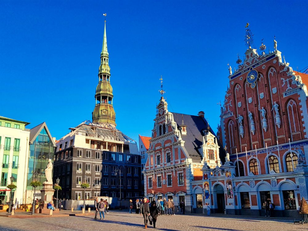 Places to visit in Latvia_Riga_Old Town_Black Heads House square_Escaperies